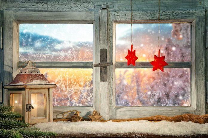 Holiday Season, Community